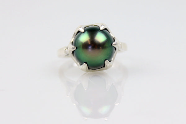 glowing tahitian pearl crown set ring