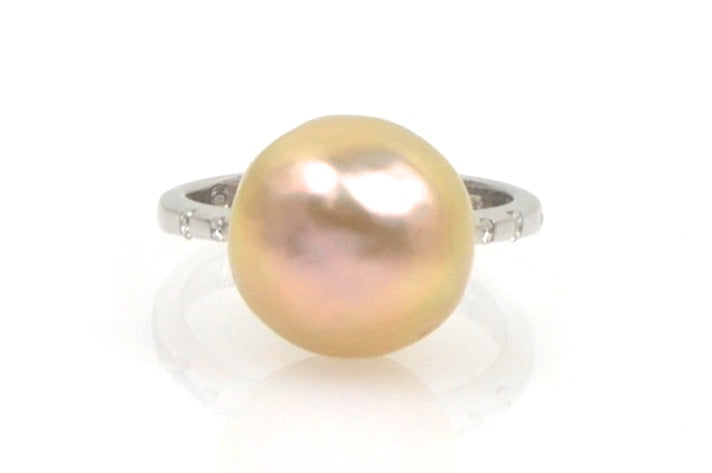 apricot japan kasumi pearl and diamond ring