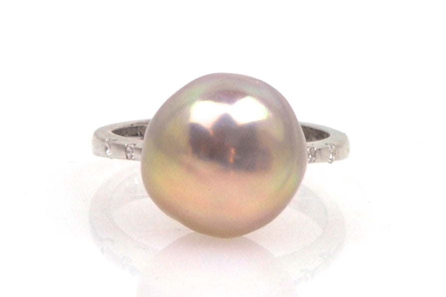 smooth baroque japan kasumi pearl and diamond ring