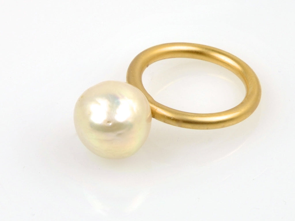 baroque champagne pearl ring