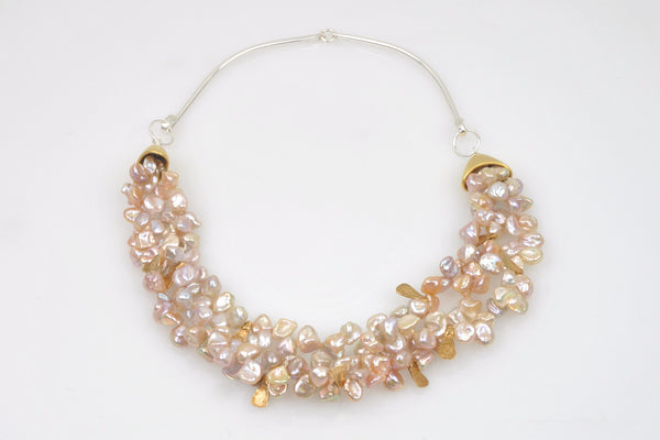 peach petals collar necklace