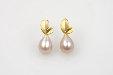 ripe pear pink teardrop pearl earrings