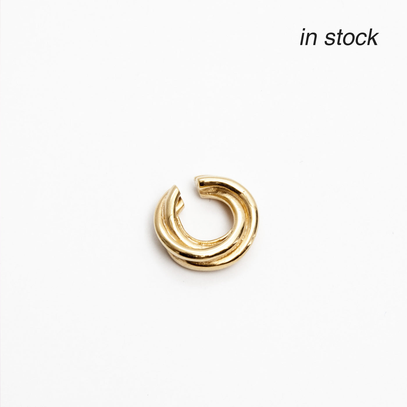 ear cuff golden mini flow product view innan jewellery in stock