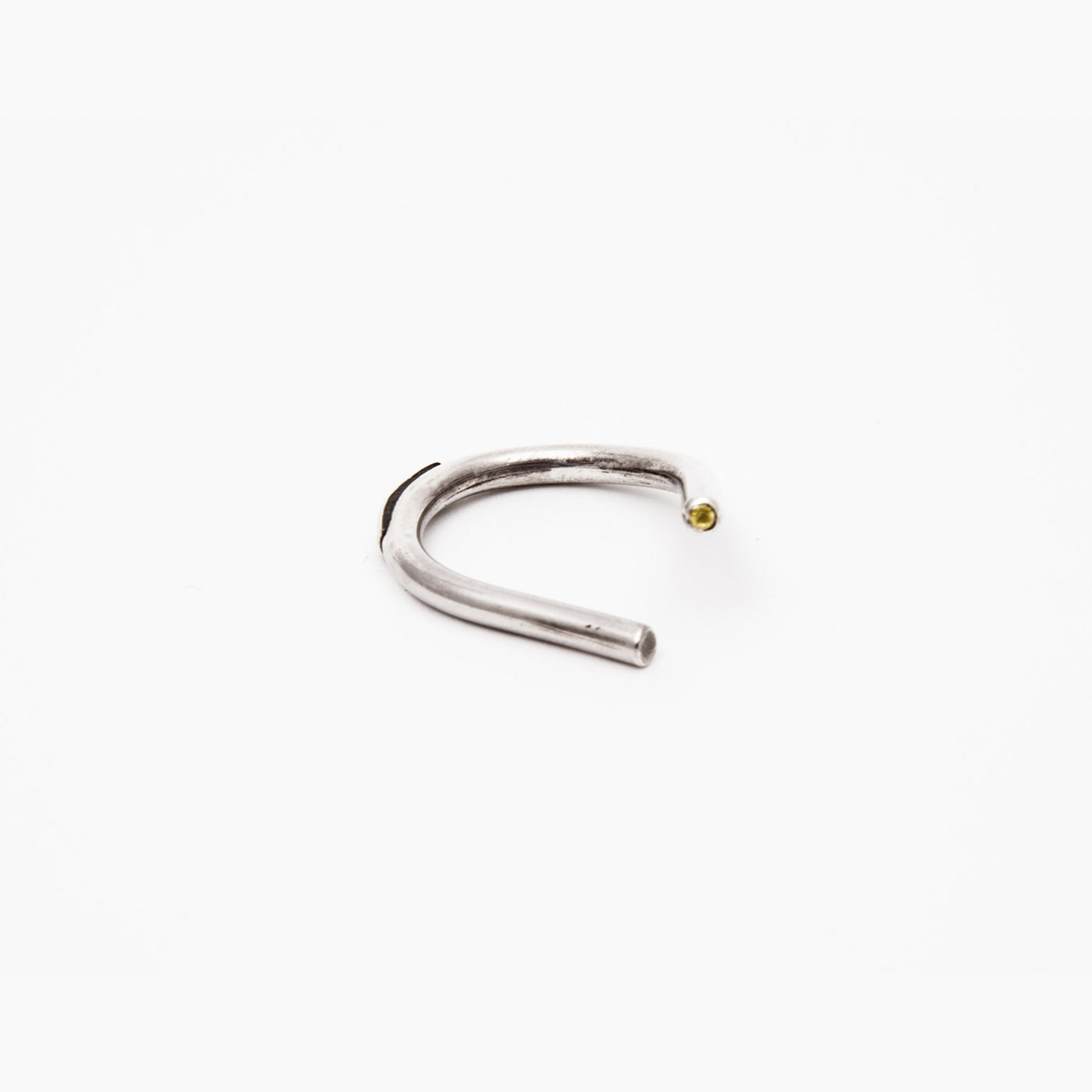 INNAN Jewellery designer Chaotic Curve Ring in sterling silver with yellow sapphire handmade in Berlin