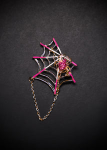 Spiderweb Brooch in Pink / Gold