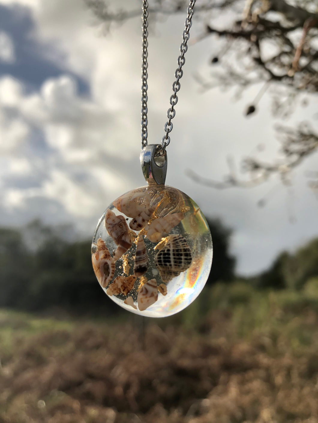 Tiny Shell Resin Pendant Necklace