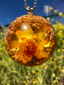 Yellow Gold Strawflower Pendant Necklace