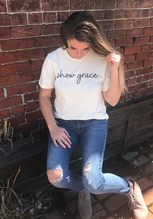 Show Grace Tee {Natural}