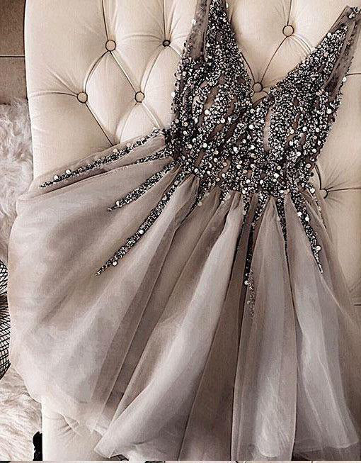 Musebridals.com offer Charming Sequins Beaded V-neck Tulle Short Gray Homecoming Dresses,MH426