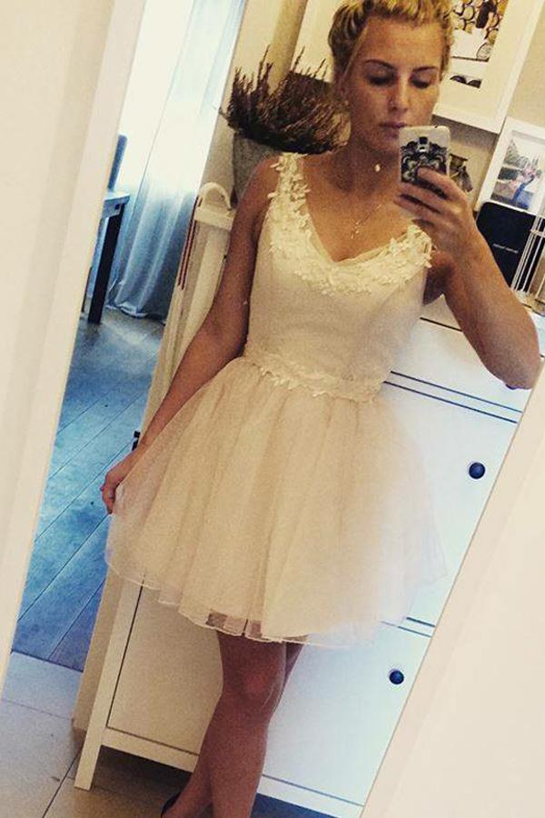Ivory V Neck Sleeveless Homecoming Dresses Short Prom Dress with Appliques, MH235