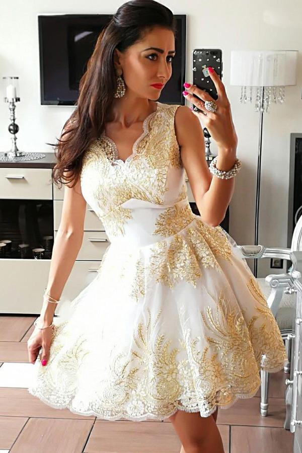 Tulle V-Neck A-Line Homecoming Dress Short Prom Dresses with Appliques, MH192