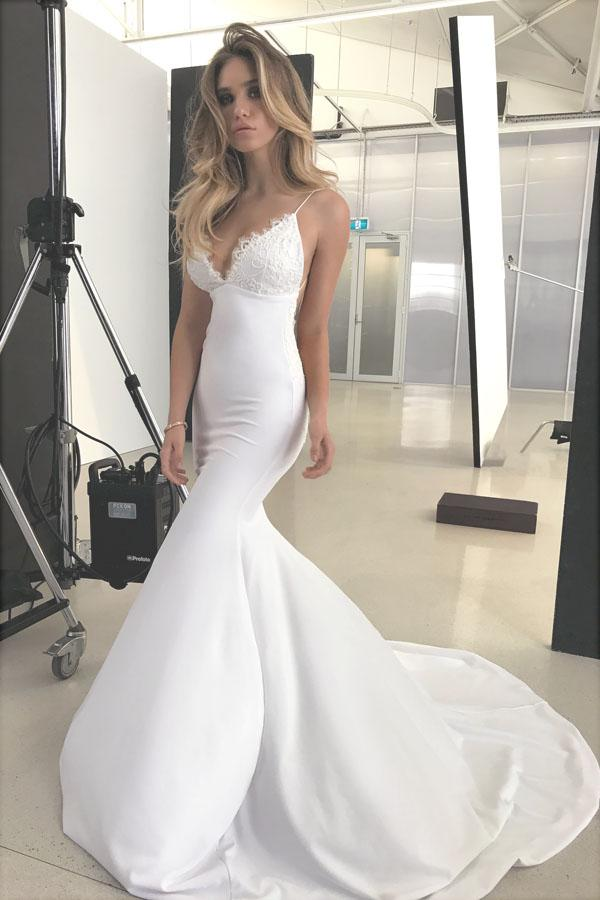 Elegant Backless Mermaid Lace V-neck Long Wedding Dresses with Appliques, MW135
