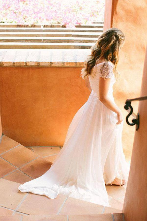 Cheap Chiffon Sweetheart Wedding Dresses with Beading And Short Train, MW123 at musebridals.com
