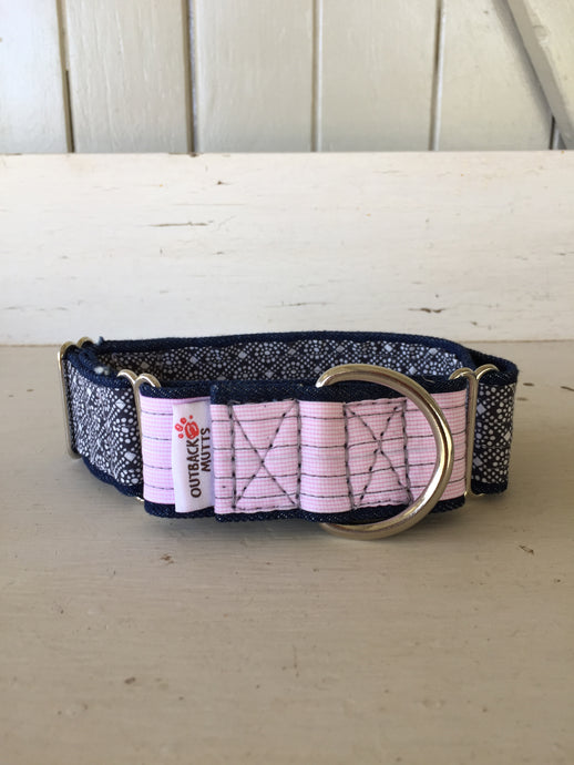 Rescued collar - Pink navy diamond (Medium)