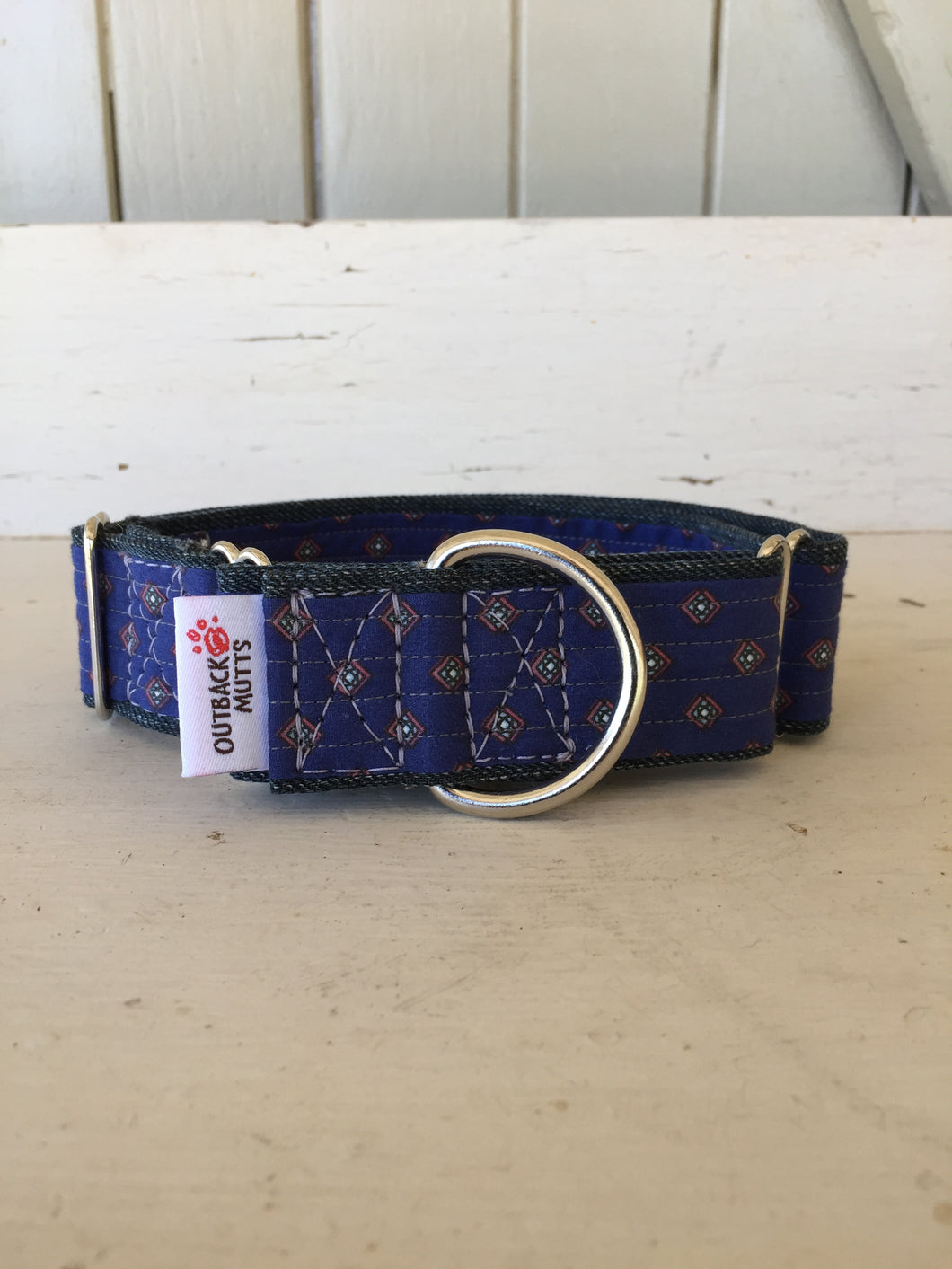 Rescued collar - Blue diamond (Medium)