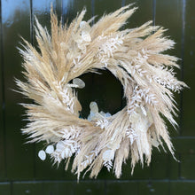 Load image into Gallery viewer, Dried Pampas Wreath