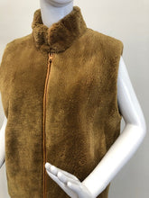 Load image into Gallery viewer, Camel Sheared Beaver Vest