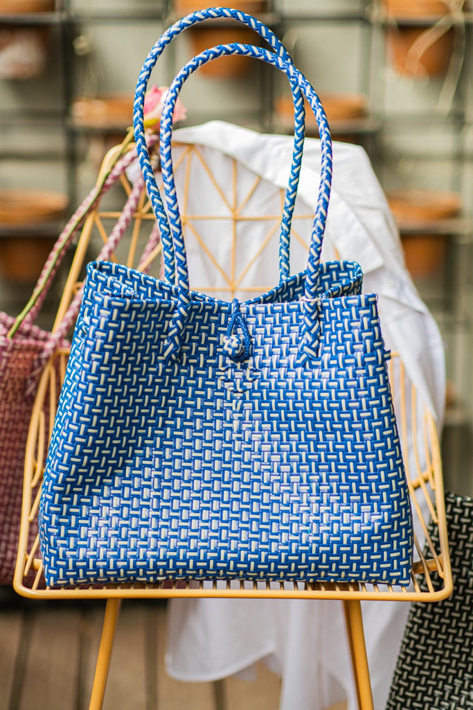 Kuta Blue Beach Bag plastic material made in bali indonesia sustainable resources eco friendly summer vibe purchase bellite store online buy trendy fashion accessories white