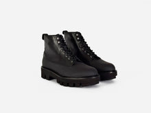 pregis lasco combat boot extralight sole designed in London