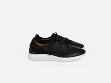 pregis pro sneaker black leather extralight sole designed in London