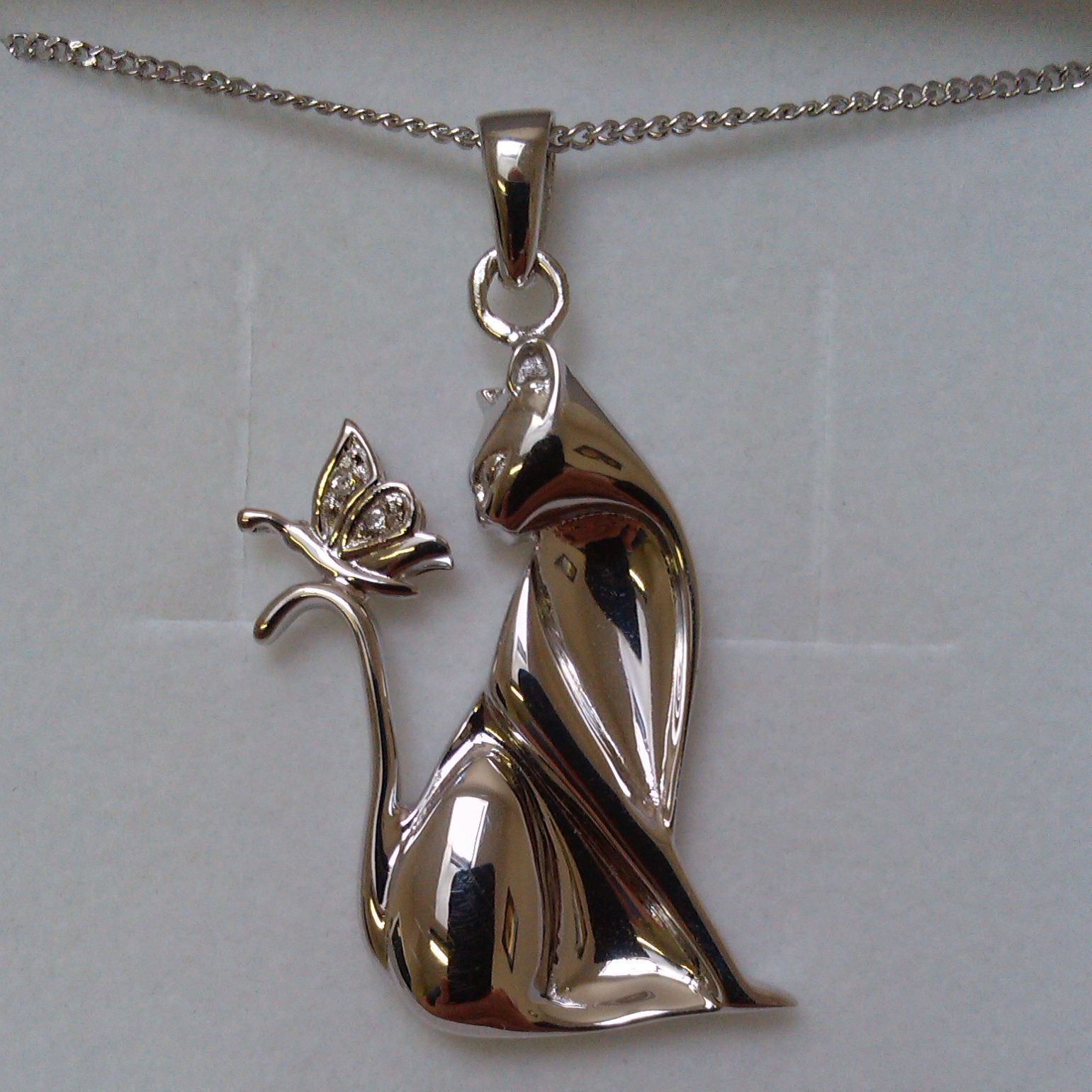 Butterfly Kisses Cat pendant