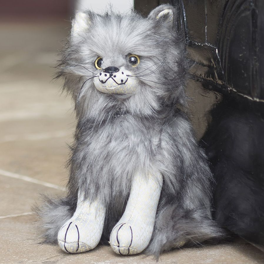 Maine Coon Doorstop