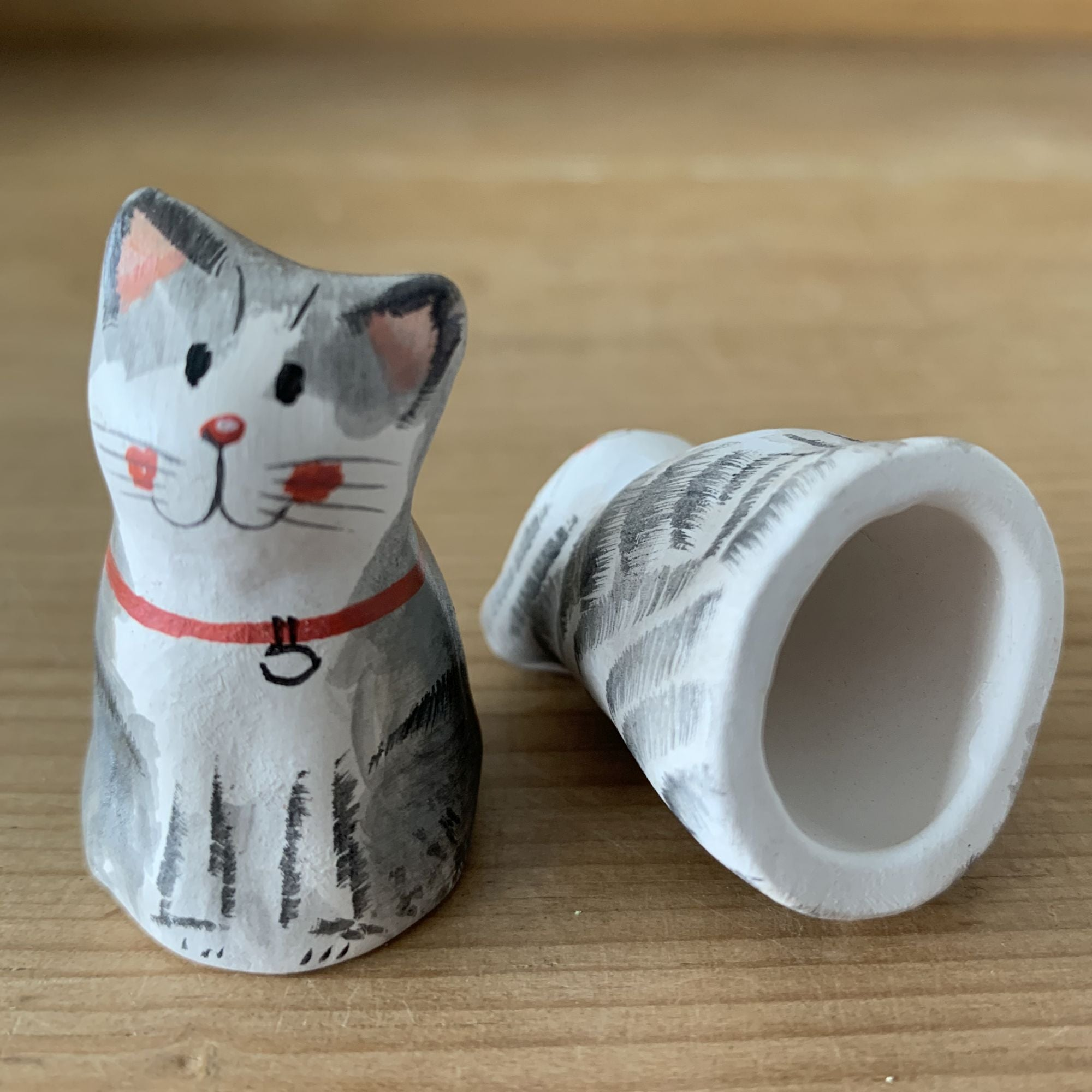 Decorative grey tabby cat thimble, Klaus modelled on an original design by Alex Clark