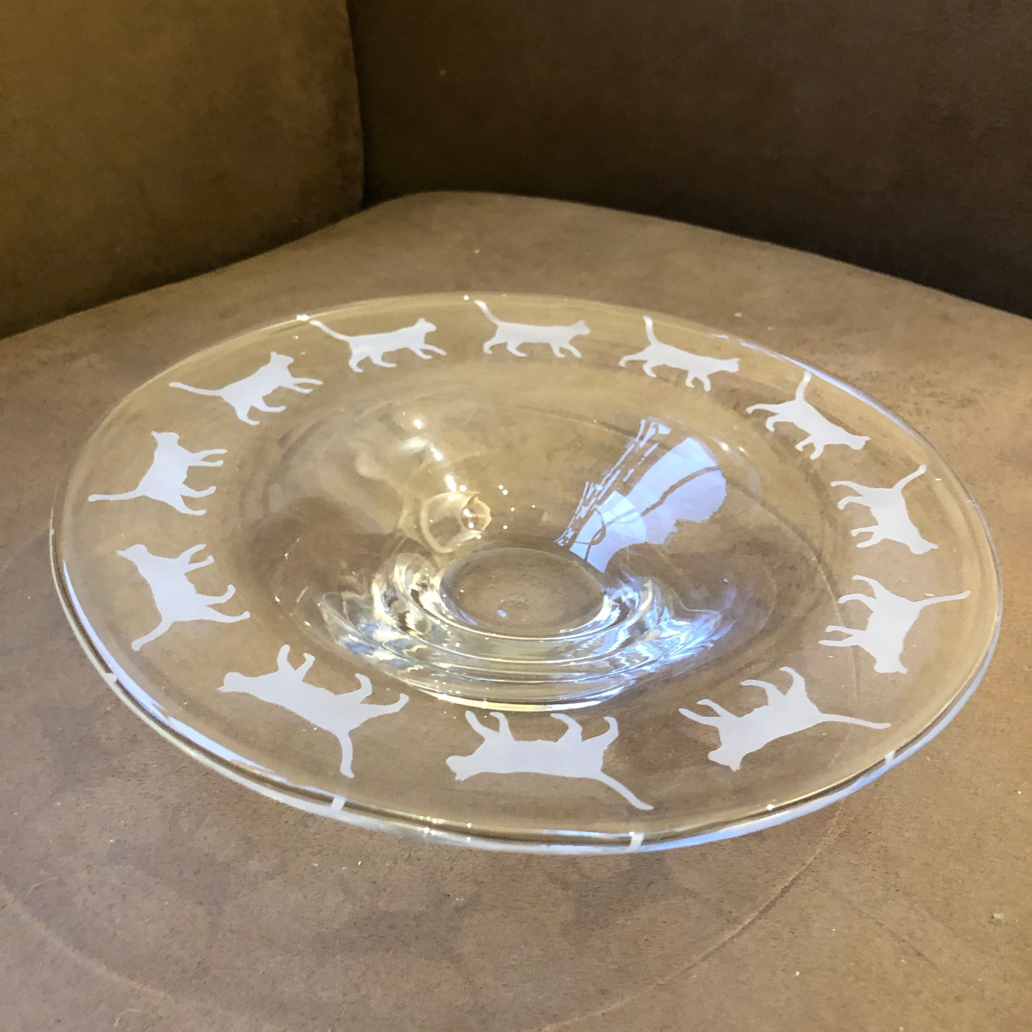 Walking Cat Etched Glass Platter, 25cm