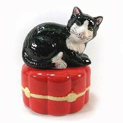 Black Cat on Cushion Salt & Pepper Set