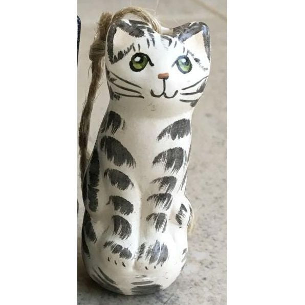 Grey tabby ceramic cat light pull