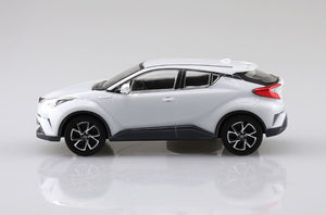 Aoshima Snap Kit 1/32 Toyota C-HR Pearl White Crystal Shine 05634