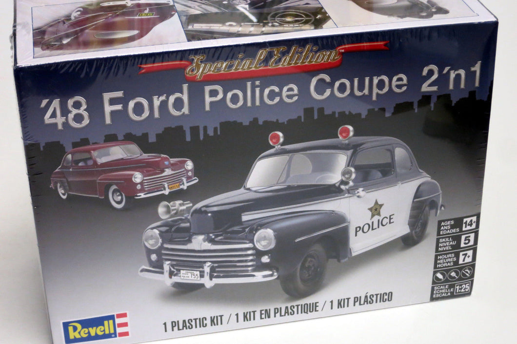 Revell 1/25 Ford Police Coupe 1948 2 'n 1 854318