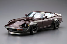 Load image into Gallery viewer, Aoshima 1/24 Nissan Fairlady Z AeroCustom 1975 G-Nose Overfender 05305