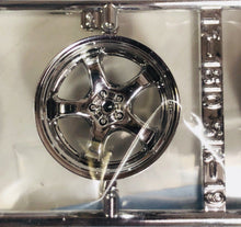"Load image into Gallery viewer, Aoshima 1/24 Rim & Tire Set ( 06) Meister S1r 19"" 05245"