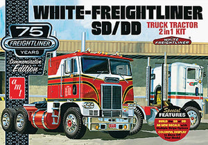 AMT 1/25 White freightliner SD/DD Truck Tractor 2 in 1 Kit AMT1046