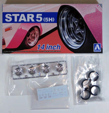 "Load image into Gallery viewer, Aoshima 1/24 Rim & Tire Set ( 68) Star 5 (5H) 14"" 5439"
