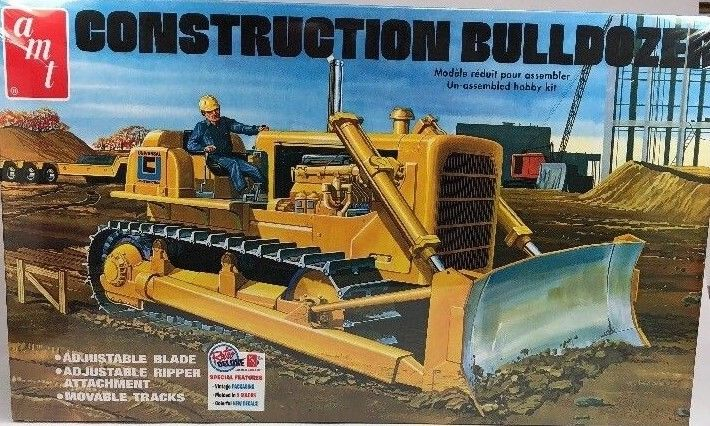 AMT 1/25 Construction Bulldozer AMT1086