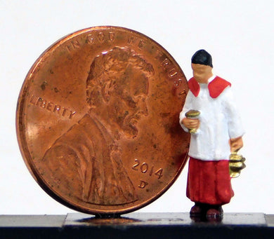 Preiser 1/87 HO Altar Boy Carrying Holy Water 28067