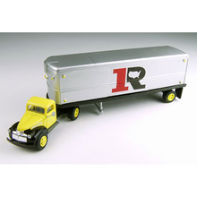 Load image into Gallery viewer, Classic Metal 1/87 HO Chevy Tractor/Trailer Set 1941/46 Ryder 31167