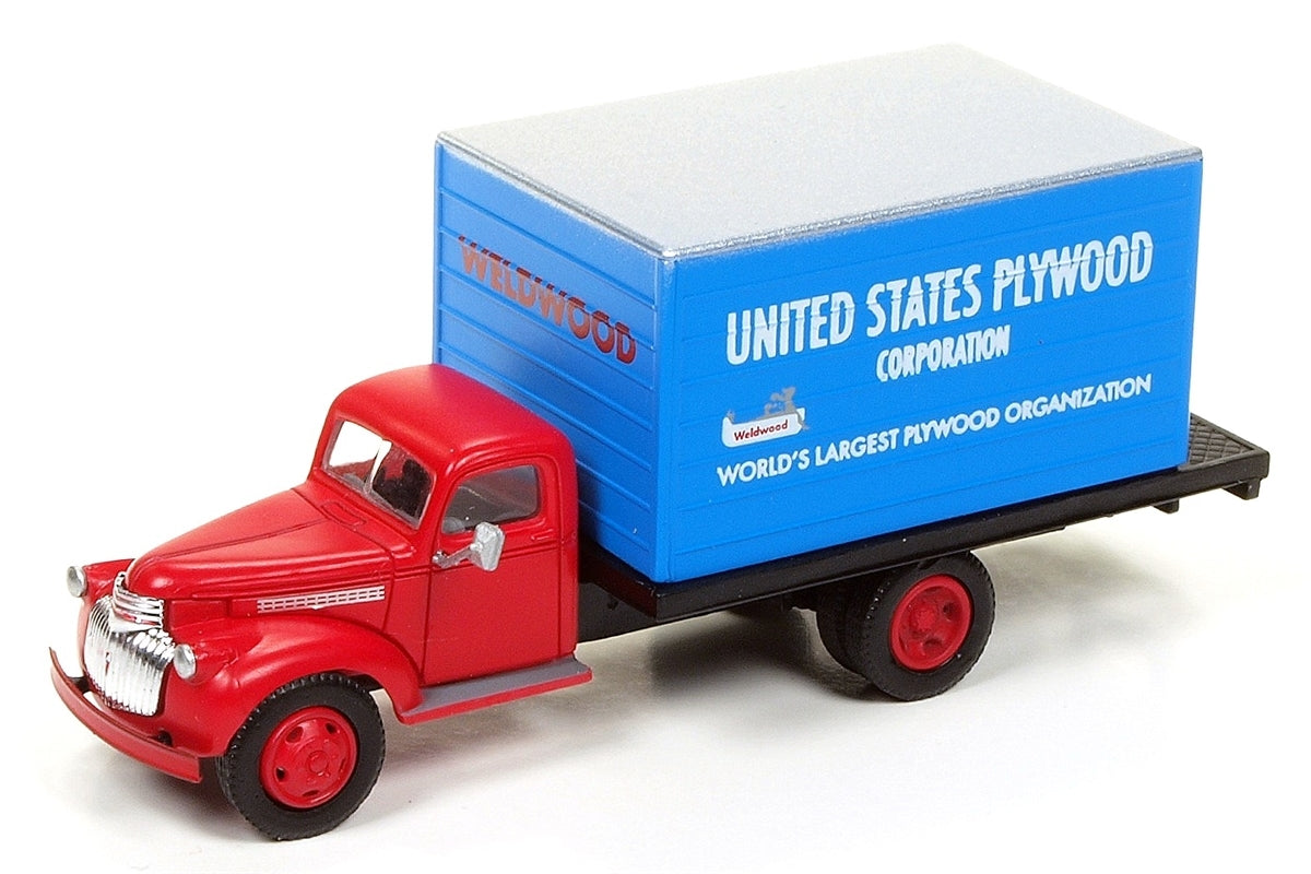 Classic Metal 1/87 HO Chevy Box Truck 1941/46 U.S. Plywood 30482