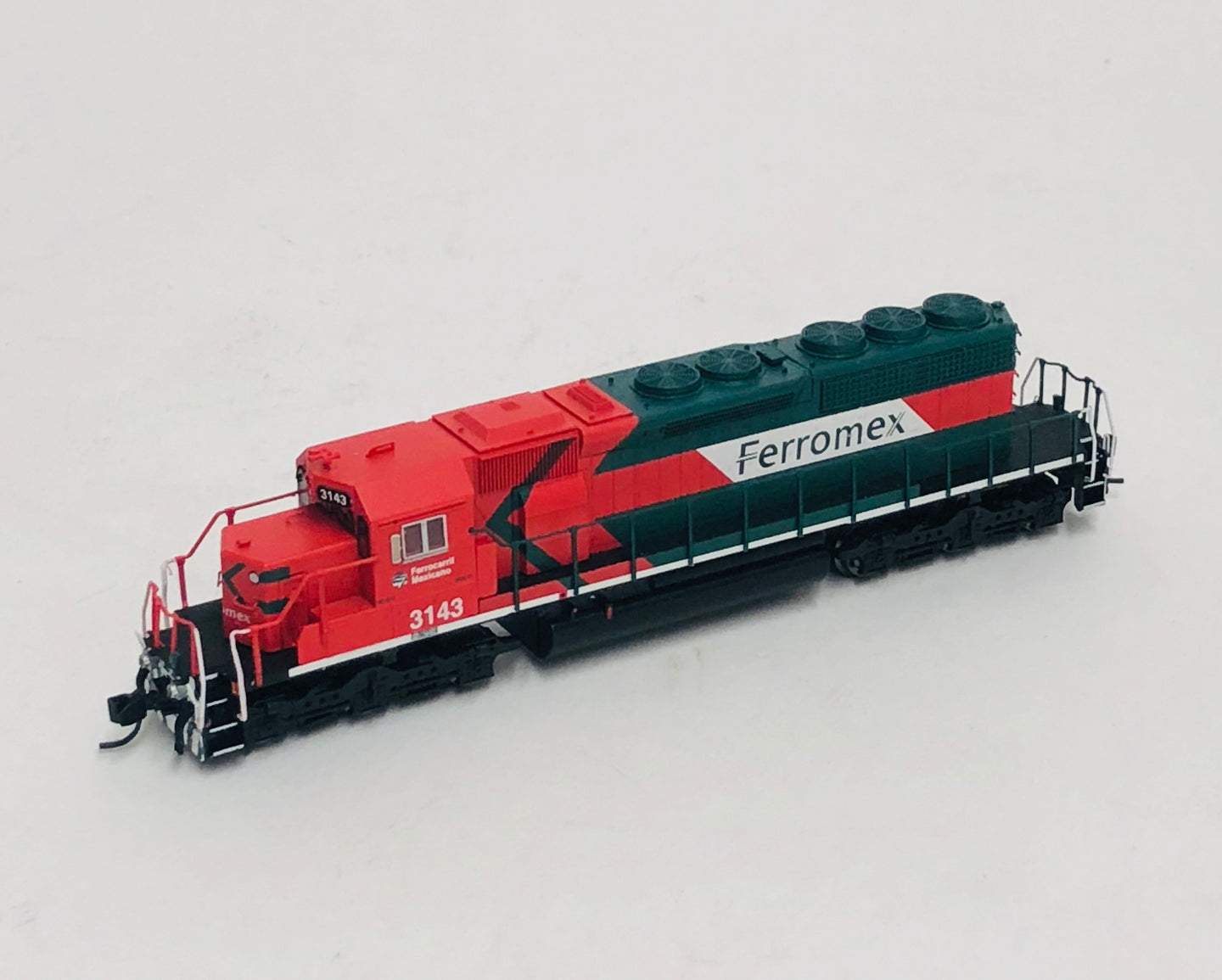 Intermountain N Scale 1/160 SD40-2 Locomotive Ferromex 69330-03