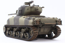 Load image into Gallery viewer, Asuka (Tasca) 1/35 US M4A1 76mm Sherman 35-047