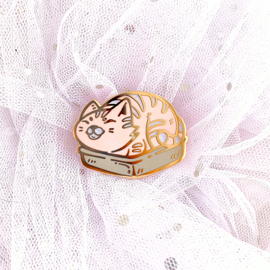 Kitty Loaf Pin