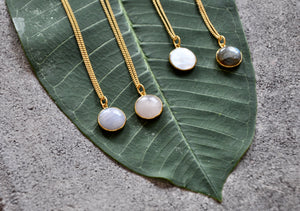 HANA Mondstein Halskette | Necklace Gold - The Santai Collection