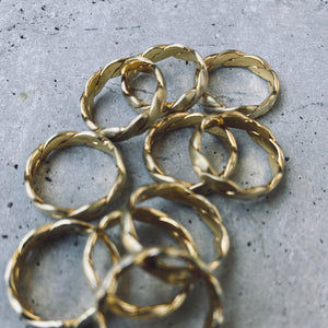 EKA LOVE FOR IMPERFECTION Ring GOLD
