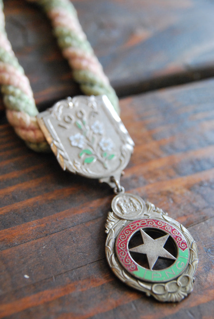 Floral Medallion Rope Necklace