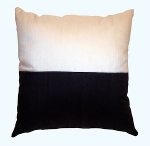 "Accent throw pillow ""Attraction"""