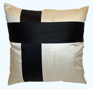 "Accent throw pillow ""The Roads"""