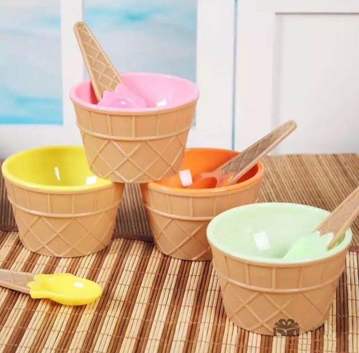 Set of 4 Cone Shape Ice Cream Cups Set With Spoon