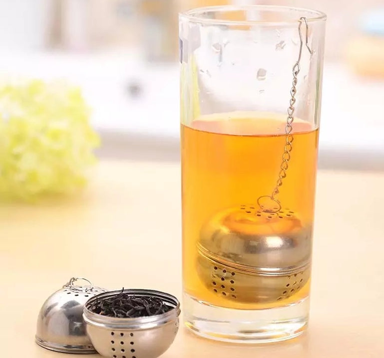 Stainless Steel Ball Filter Kitchen Gadget, Spice, Herb,Tea and Seasoning Filter Ball with Hanging Hook, Ball Tea Infuser Mesh Filter